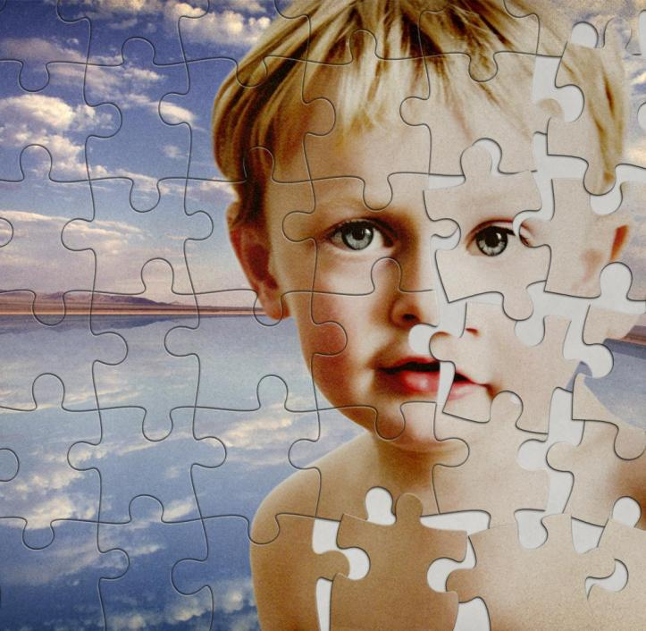 Jigsaw-puzzle-of-boy-and-desert-lake